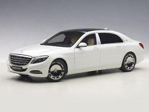 【送料無料】模型車 モデルカー スポーツカー マイバッハメルセデスクラスmercedesmaybach sklasse s600 white 118 autoart