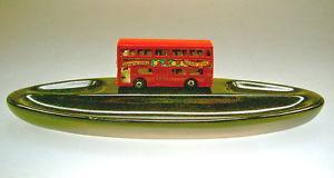 【送料無料】模型車 モデルカー スポーツカー マッチロンドンセラミックカップmatchbox sf nr17b the londoner rot auf keramikschale sehr selten