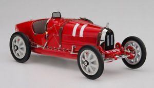 【送料無料】模型車 モデルカー スポーツカー ブガッティカラープロジェクトイタリアbugatti t35 nation color project italien 118 m100 b001 cmc