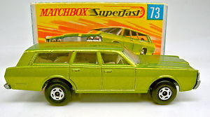 【送料無料】模型車 モデルカー スポーツカー マッチステーションワゴンボックスmatchbox sf nr 73a mercury station wagon grnmet breite rder top in box