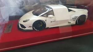 【送料無料】模型車 モデルカー スポーツカー ポンドランボルギーニポンドパフォーマンスパールホワイトneues angebotliberty walk oem lb1862bb 118 lamborghini huracan lb performance pearl white