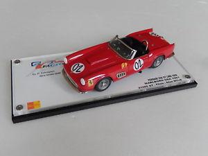 【送料無料】模型車 モデルカー スポーツカー フェラーリカリフォルニアヒロ143 amr ferrari 250 gt california lwb malboro 1961  no mfh bosica hiro