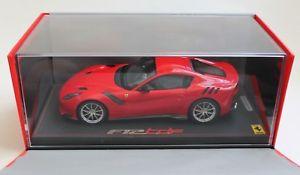 【送料無料】模型車 モデルカー スポーツカー フェラーリロッソコルサケースbbr p18121pv ferrari f12 tdf rosso corsa 118 inkl vitrine