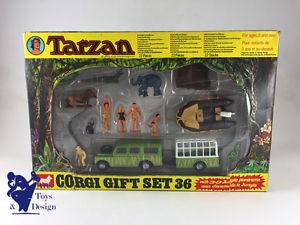 【送料無料】模型車 モデルカー スポーツカー コーギーセットターザンランドローバーモデルエポックcorgi toys gift set 36 tarzan w land rover modele depoque et dorigine 1976