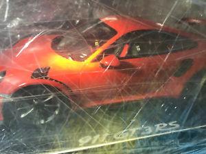 【送料無料】模型車 モデルカー スポーツカー ポルシェグアテマラオレンジスパークショーケースショーケースporsche 911 gt3 rs 991 112 lava orange vitrine show case spark neu