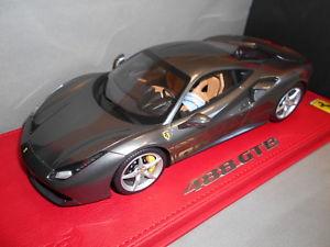 【送料無料】模型車 モデルカー スポーツカー フェラーリジュネーブオートコンショーbbrp18106bv by bbr ferrari 488 gtb 85 geneve auto show con vetrina 118
