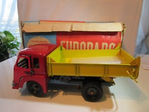 【送料無料】模型車 モデルカー スポーツカー camion cij saviem jm 240 benne  original jouet ancien