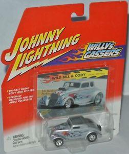 【送料無料】模型車 モデルカー スポーツカー ウィリーワイルドビルコーディジョニーwillys gassers 1933 willys wild bill amp; cody bfitting 164 johnny lightning