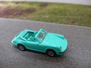 【送料無料】模型車 モデルカー スポーツカー ポルシェカレラカブリオレミントグリーン187 wiking porsche 911 carrera cabrio minzgrn 165 01