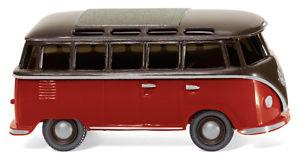 【送料無料】模型車 モデルカー スポーツカー ブラウンレッドwiking vw t1 sambabus braunrot 031704