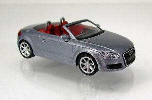 【送料無料】模型車 モデルカー スポーツカー アウディロードスターシルバースケールwiking audi tt roadster avussilber scale 1 87 neu ovp 013438