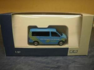 【送料無料】模型車 モデルカー スポーツカー バストランスポートrietze vw t5 bus kr fd votre transport