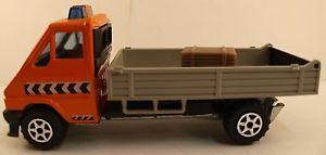【送料無料】模型車 モデルカー スポーツカー ルノーマスターmajorette renault master t 35 1984 145