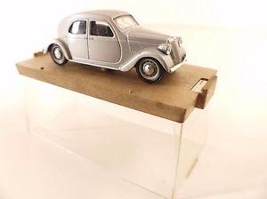 【送料無料】模型車 モデルカー スポーツカー ハムランチアアプリリアbrumm lancia aprilia 1947 en boite 143 en boite
