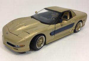 【送料無料】模型車 モデルカー スポーツカー シボレーコルベットシグネチャーエディションスケールモデルmaisto 2003 chevrolet corvette guldstrand signature edition scale 118 model