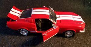 【送料無料】模型車 モデルカー スポーツカー フォードマスタングシェルビーモデルカー