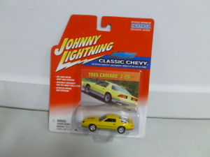【送料無料】模型車 モデルカー スポーツカー ジョニークラシックシボレーカマロjohnny lightning classic chevy 1985 camaro z28