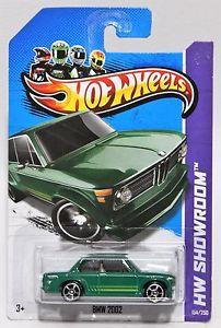【送料無料】模型車 モデルカー スポーツカー ホットホイールグリーンスポークホイールカードbmw 2002 * 2013 hot wheels * green 1968 mc5 5spoke wheel card condition varies