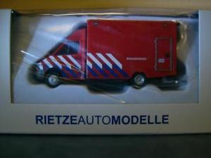 【送料無料】模型車 モデルカー スポーツカー スプリンターレスキューサービスrietze mb sprinter rtw rettungsdienst brandweer
