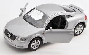 【送料無料】模型車 モデルカー スポーツカー アウディシルバーシルバーモデルカーblitz versand audi tt silber silver welly modell auto 134 neu amp; ovp 1