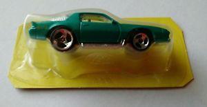 【送料無料】模型車 モデルカー スポーツカー vintage hot wheels radical roadway camaro z28  car only rare