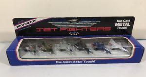 【送料無料】模型車 モデルカー スポーツカー ジェットイーグルtootsietoy jet fighters eagle squad diecast metal 1988