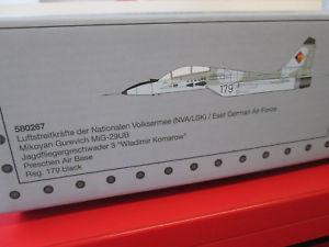 【送料無料】模型車 モデルカー スポーツカー herpa 580267 mig29ub nvalsk m 172