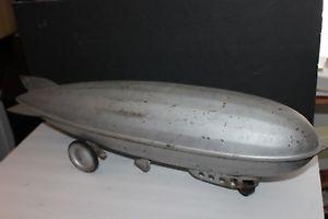 【送料無料】模型車 モデルカー スポーツカー ァービンテージスチールクラフトプレススチールプルトイneues angebotvintage 1930s steelcraft 31 graf zeppelin pressed steel pull toy