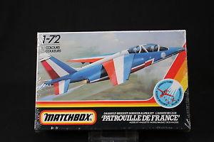 【送料無料】模型車 モデルカー スポーツカー マッチボックスアルファジェットyn074 matchbox 172 maquette avion pk5 dassault breguet dornier alpha jet fr