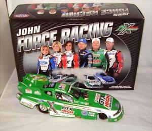 【送料無料】模型車 モデルカー スポーツカー マイレッジムスタングカーアクションジョンフォース124 2011 action nhra mustang funny car castrol gtx high mileage john force