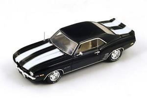 【送料無料】模型車 モデルカー スポーツカー シボレーカマロブラックホワイトストライプスパーク