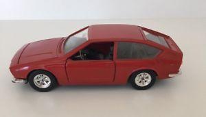 【送料無料】模型車 モデルカー スポーツカー アルファロメオァーneues angebotalfa romeo alfetta gt 124 burago