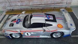 【送料無料】模型車 モデルカー スポーツカー ユニークモデルポルシェグアテマラキットロスマンズトランunique ut models autoart 118 porsche 911 996 gt1 street transkit rothmans