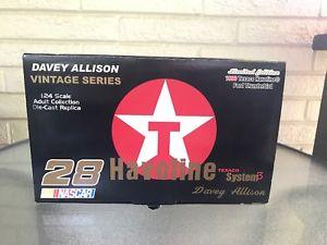 【送料無料】模型車 モデルカー スポーツカー テキサコチームキャリバービンテージフォードサンダーバードdavey allison texaco havoline 1990 ford thunderbird team caliber vintage 124