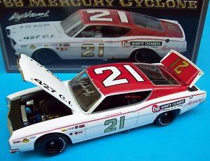 【送料無料】模型車 モデルカー スポーツカー サイクロン#ウッドブラザーズサインcale yarborough 1968 mercury cyclone 21 wood brothers 124 signed autograph