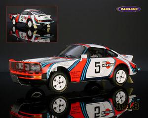 【送料無料】模型車 モデルカー スポーツカー ポルシェマティーニサファリラリースパークporsche 911sc 30 martini safari rallye 1978 waldegaardthorszelius, spark 118