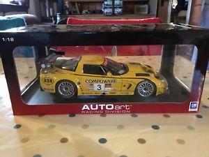 【送料無料】模型車 モデルカー スポーツカー シボレーコルベットクラスautoart 118 chevrolet corvette c5r alms gts class 2004