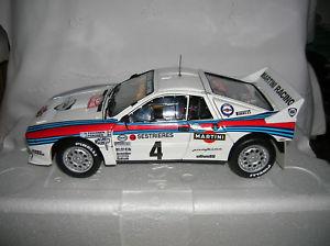 【送料無料】模型車 モデルカー スポーツカー ランチアデルタモンテカルロlancia 037 118 kyosho montecarlo 1985 toivonen