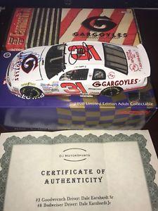 【送料無料】模型車 モデルカー スポーツカー デュアルサインデイルアーンハートデールジュニア#ガーゴイルアクションneues angebotdual autograph dale earnhardt and dale jr 1997 31 gargoyles action 124 wcoa