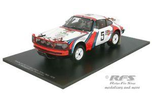 【送料無料】模型車 モデルカー スポーツカー ポルシェマティーニサファリラリーガールporsche 911 sc 30 martini safari rallye 1978 bjrn waldegard 118 spark 18s026