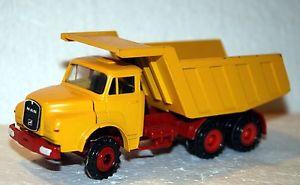 【送料無料】模型車 モデルカー スポーツカー コンラッド150 conrad camion man 32240 3 assi