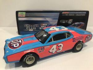 【送料無料】模型車 モデルカー スポーツカー リチャードペティサインダッジチャージャーホールrichard petty 1974 dodge charger hall of fame autographed 124 historical