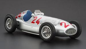 【送料無料】模型車 モデルカー スポーツカー モデルメルセデスベンツトリポリ#cmc exclusive modelle 118 m074 mercedes benz w 165 tripolis 1939 24 neu