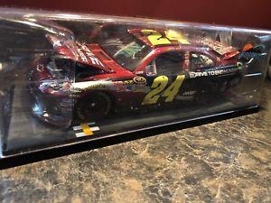 【送料無料】模型車 モデルカー スポーツカー ジェフサインフェニックスゴードンドライブバージョンレース2011 jeff gordon drive to end hunger phoenix win raced version autographed 224