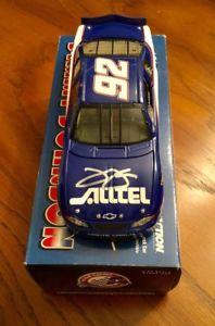 【送料無料】模型車 モデルカー スポーツカー ジミージョンソンサインダイカストjimmie johnson autographed signed 124 2000 alltel rookie nascar diecast rare