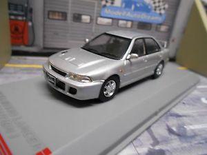 【送料無料】模型車 モデルカー スポーツカー ランサーエボネットワークホワイトボックスmitsubishi lancer rs evo i mki 1 silber rhd ixo white box 143