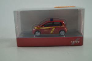 【送料無料】模型車 モデルカー スポーツカー モデルカーherpa modellauto 187 h0 vw up feuerwehr stuttgart nr 915274
