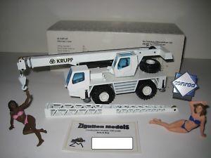 【送料無料】模型車 モデルカー スポーツカー クルップクレーン#krupp gmt 35 autokran 2831 nzg 150 ovp