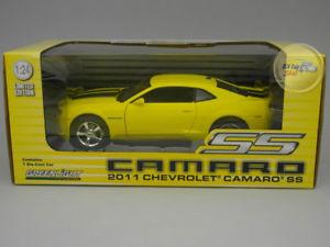 【送料無料】模型車 モデルカー スポーツカー シボレーカマロイエchevrolet camaro ss 2011 yellow greenlight 124 gl18219ye