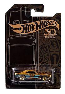 【送料無料】模型車 モデルカー スポーツカー ホットホイールブラックゴールドシリーズカマロスケール
